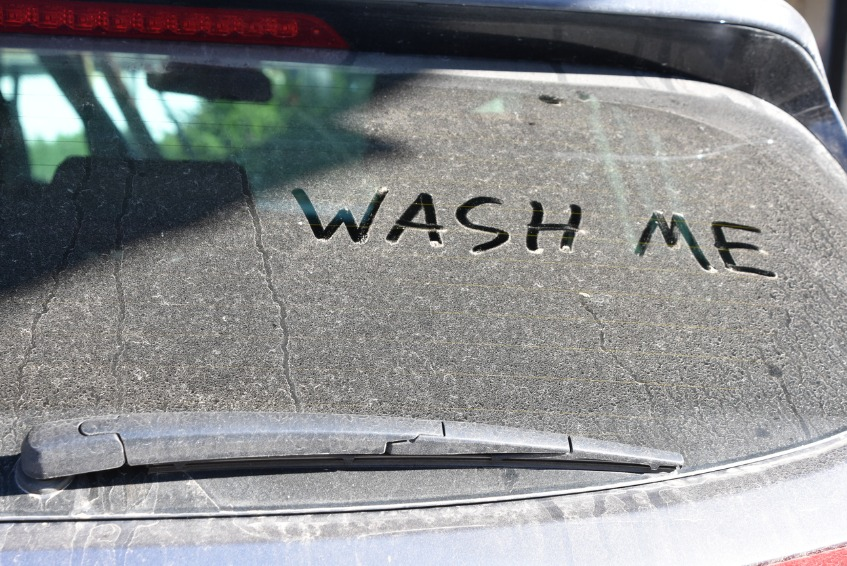 Message on dirty car window