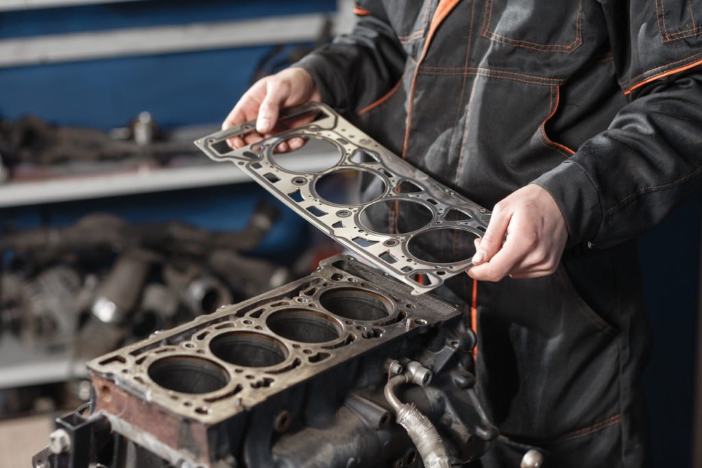 How to fix a car's gasket