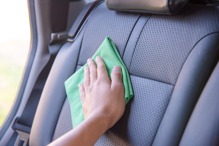 How to clean leather car interiors | SImoniz