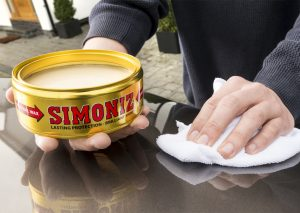 Simoniz_Wax_on_car(1)