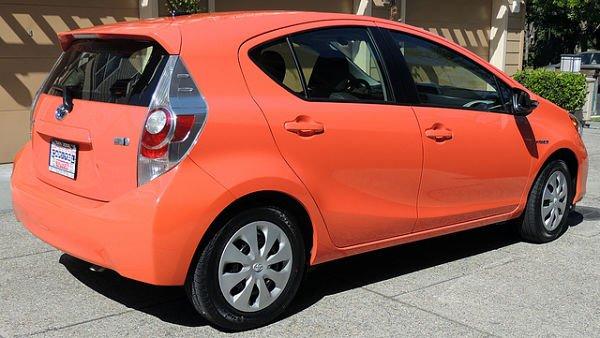 orange-car_opt